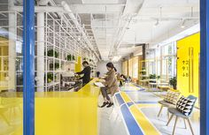 Combines two interior design patterns, brand color as large structural pieces and accent colors.    Mat Office Co-working Space http://www.matoffice.com/