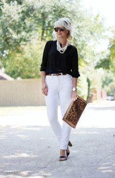 Womens fashion casual over 40 over 50 white pants 16 ideas for 2019 Casual Chic Outfits, Fashion For Women Over 40, 50 Fashion, Fashion Trends, Dress Fashion, Fashion Women, Fashion Heels, Petite Fashion, Cheap Fashion