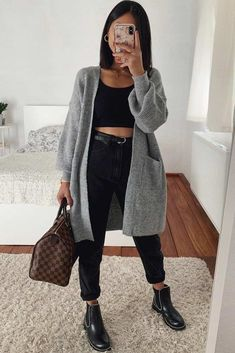 High Waisted Jeans With Comfy Cardigan Outfit ★ When the fall. - High Waisted Jeans With Comfy Cardigan Outfit ★ When the fall… Source by leylapeksever - Dressy Fall Outfits, Simple Fall Outfits, Fall Outfits For Work, Date Outfits, Winter Outfits, Vegas Outfits, Date Outfit Casual, Woman Outfits, Club Outfits