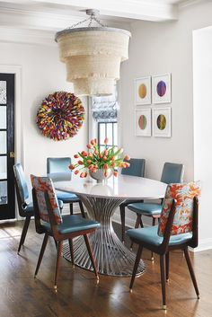 "Julia Buckingham Shares How to Decorate with ""Modernique"" Style 