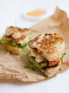 Grilled Avocado, Chicken, and Tomato Sandwich Quick Meals, No Cook Meals, Soup And Sandwich, Tomato Sandwich, Sandwiches, Grilled Avocado, Avocado Chicken, Tapas, Tasty Dishes