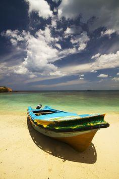 'Pigeon Island' (Trincomalee, Sri Lanka), photography by Hemant Buch, via 500px.