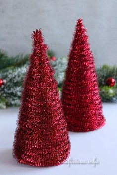 Your coffee table will look so much more festive with these Sparkly Tabletop Christmas Trees! The thrifty Christmas craft is sure to delight everyone. Tabletop Christmas Tree, Small Christmas Trees, Christmas Tree Crafts, Christmas Projects, Christmas Tree Decorations, Christmas Holidays, Christmas Ideas, Holiday Ideas, Merry Christmas