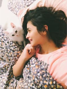 Alia Bhatt Is In Love Again, With Someone Really Adorable!