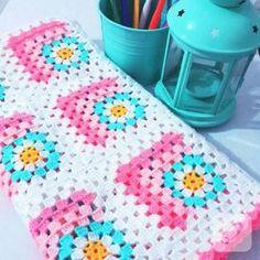 Granny Square Crochet Pattern, Crochet Squares, Crochet Granny, Crochet Blanket Patterns, Baby Blanket Crochet, Baby Knitting Patterns, Crochet Baby, Crochet Bedspread, Crochet Quilt
