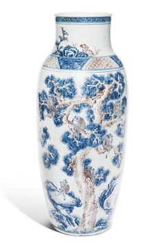 AN UNDERGLAZE-BLUE AND COPPER-RED 'MONKEY' VASE, QING DYNASTY, 18TH CENTURY
