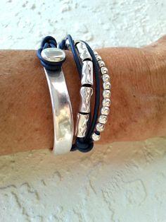 Beaded Wrap Bracelets, Handmade Bracelets, Handmade Jewellery, Jewelry Art, Jewelry Crafts, Jewlery, 50 Style, Leather Jewelry, Hand Fans