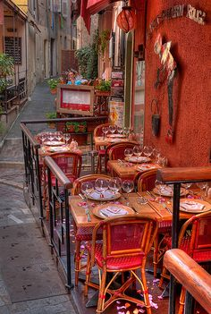 Le Petit Chaperon Rouge - Cannes, Côte d'Azur, France      Fra0237-small / By lucbus