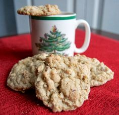 These Pecan Oatmeal White Chocolate Chip Cookies are filled with wonderful flavor and will be a highlight on any holiday cookie tray this year and beyond! Easy Cookie Recipes, Cookie Desserts, Cookie Tray, Oatmeal Recipes, Holiday Baking, Christmas Baking, Christmas Treats, Christmas Recipes, Fall Baking