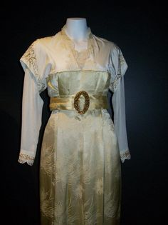 Costume from the movie Titanic on loan to the Australian National Maritime Museum.
