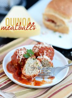 Quinoa Meatballs // make a bunch and eat with spaghetti squash & sauce or as a high protein snack #cleaneating #healthy