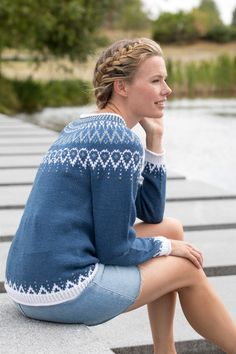 Mammahjerte Genser i Denim, kjøp den som strikkepakke hos HoY. Knitting Pullover, Sweater Knitting Patterns, Drops Lima, Drops Kid Silk, Drops Alpaca, Fair Isle Knitting, Ankle Jewelry, Camilla, Crochet Projects