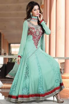 Lovely collection of anarkali salwar suits available at best price.Shop long anarkali suits online for the next party or festival/utsav. Beautiful Pakistani Dresses, Indian Dresses, Indian Outfits, Beautiful Dresses, Bridal Anarkali Suits, Anarkali Frock, Anarkali Churidar, Stylish Dresses For Girls, Casual Dresses