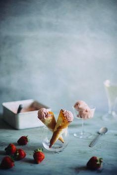 Roasted Strawberry Ice Cream (Souvlaki For The Soul)
