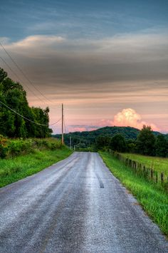 Country Road, Franklin, Tennessee