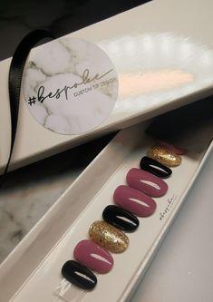 Short oval press on nails with black, mauve and gold glitter. Gold Nails, Gold Glitter, Press On Nails, Mauve, Nail Art, Luxury, Black, Ideas, Design