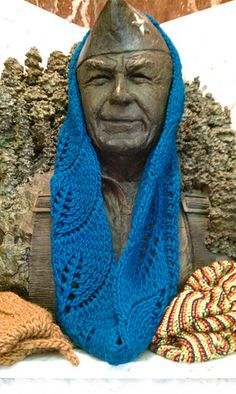 Ravelry: Vite Cowl pattern by Kristi Johnson - appropriate pin for Veteran's Day Knitting Projects, Knitting Patterns, Super Bulky Yarn, Cowl Scarf, Pattern Making, Knit Crochet, How To Make, How To Wear, Wool