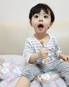 Image may contain: 1 person Cute Baby Boy, Cute Little Baby, Little Babies, Cute Kids, Cute Asian Babies, Korean Babies, Asian Kids, Kids Boys, Baby Kids