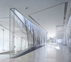 Transparency of materials gives it a very light feeling; even the plantation are thin and brittle.