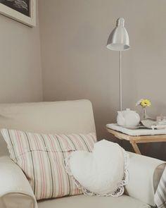 Decorating Small Spaces, Shabby, Home Decor, Homemade Home Decor, Interior Design, Home Interiors, Decoration Home, Home Decoration, Home Improvement