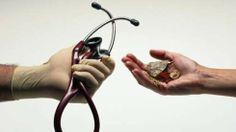 Alternatieve geneeswijzen en reguliere geneeswijzen 490x276 Hoe kunnen we een brug slaan tussen reguliere en alternatieve geneeskunde