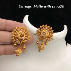 Ra matt jewwl Rs 699 Direct message to place order Shipping is extra the damage will be exchanged… Gold Jhumka Earrings, Indian Jewelry Earrings, Jewelry Design Earrings, Gold Earrings Designs, Ear Jewelry, Jhumka Designs, Gold Necklace, Gold Designs, Antique Earrings