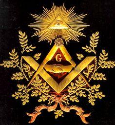 """a """"La pirámide y el ojo"""""""