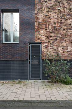 Photo Essay: Utopia by the Plot - Failed Architecture Facade Pattern, Brick Detail, Brick Art, Interactive Walls, Brick Construction, Brick Texture, Brick Architecture, Brick Facade, Brick Design