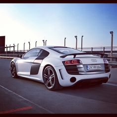 Beautiful Audi R8 on the Road!