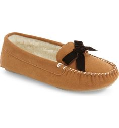 Lounging around the house in these moccasin-inspired slippers with a dainty  bow. Flats faeeada63