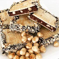 Ti Készítettétek Recept (A recept készítője: Péterné Károlyi Zsuzsanna) Paleo csokis-mogyorós ostyaszelet Az ostya a szénhidrátcsökkentett paleo tölcsér recept alapján készült! (RECEPT ITT!) Hozzávalók: 35 g Szafi Reform gluténmentes