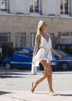 Kimberley Garner in Short Dress Shopping -06