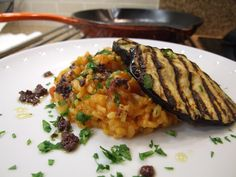 Tomato risotto with griddled aubergine & tapenade