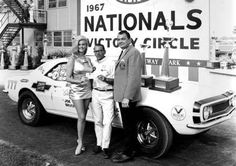 "Bill ""Grumpy"" Jenkins in the winner circle with Linda Vaughn Linda Vaughn, Chevy Motors, Drag Racing, Auto Racing, Popular Mechanics, Drag Cars, Car And Driver, Car Humor, Vintage Racing"