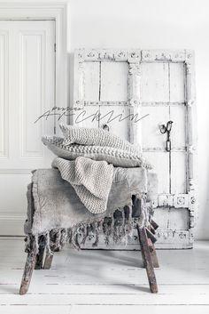 © Paulina Arcklin   Blog post: Upcomig Styling Photo Studio walls ☆ Brocante, déco vintage industrielle brocante campagne
