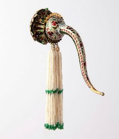Turban ornament, Northern India, Lucknow, early 19th century. Susan Ollemans at Masterpiece London 2015, stand C17