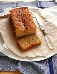 Banana, ginger and honey cake / Bolo de banana, gengibre e mel