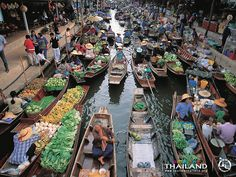 Awesome Places, Pics And Articles Forever: Damnoen Saduak Floating Market in Ratchaburi, #Thailand