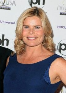 Mariel Hemingway was at the D4D event on May 9.  She was lovely.