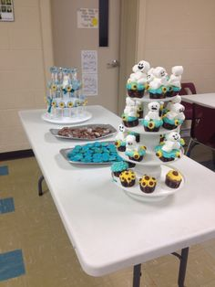 Frozen fever dessert table party setup