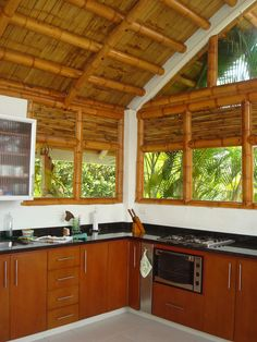 Bamboo House Design, Tropical House Design, Simple House Design, Style At Home, Bamboo Building, Hut House, Bamboo Structure, Bamboo Architecture, Philippine Houses
