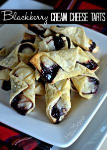 These Delicious Blackberry Cream Cheese Tarts Are A Perfect Way To Impress Your Taste Buds And Your Guests. This Wonderful Dessert Will Be A Guarantee Hit For Kids, Adults, And Everyone Inbetween. Navigate To See How This Delicious Treat Is Made Tart Recipes, Sweet Recipes, Cooking Recipes, Atkins Recipes, Oven Recipes, Recipies, Yummy Treats, Yummy Food, Tasty