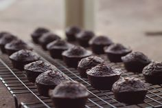You had me at brownie.Chewy, soft, dark chocolate brownie bites that happen to also be healthy and Paleo, a combination made in heaven. Paleo Dessert, Low Carb Desserts, Gluten Free Desserts, Healthy Desserts, Dessert Recipes, Paleo Brownies, Mini Brownies, Pumpkin Brownies, Real Food Recipes