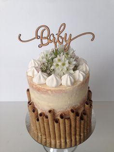 Gender neutral baby shower cake, semi naked cake www.instagram.com/lorynloves