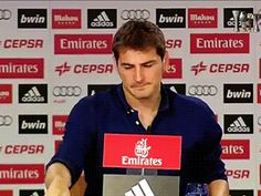 Filmato su real madrid rmedit iker casillas and then he was like look at all this love for me this part was actually kind of happy he seemed so relieved to get through the speech as phil said graciascasillas via diggita #RealMadrid