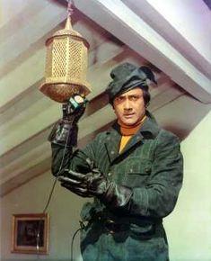 Devanand in Amir Garib Play Quiz, Film Icon, Hema Malini, Story Titles, Stylish Mens Fashion, Bollywood Photos, Vintage Bollywood, Home Movies, Indian Movies