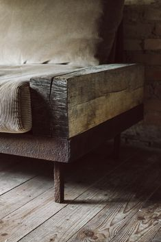 Rustic Furniture, Home Furniture, Furniture Design, Interior Architecture, Interior Design, Wabi Sabi, Simple House, Wood Design, Interior Inspiration