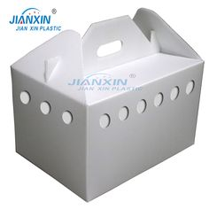 Corrugated plastic pet box made of polypropylene through the beer machine and then assembled. Corrugated Box, Corrugated Plastic, Beer Machine, Industrial Packaging, Agriculture Industry, Box Supplier, Box Manufacturers, Pet Cage, Pets