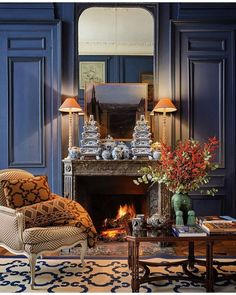 """SECRETS OF A HOSTESS MAGAZINE on Instagram: """"A sophisticated and quite cozy living room showcasing these fabulous blue and white tulipieres on the fireplace mantel @casa__lopez!! 💙🐝🤍🦋…"""" Deco Boheme, Scandinavian Bedroom, Cozy Living Rooms, Home And Deco, Fireplace Mantels, Fireplaces, Reception Rooms, Decoration, Home Interior Design"""