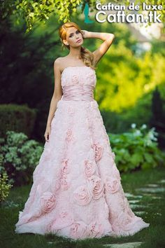 Découvrir les dernières  tendance des robes de soirée chez la magazine enligne Caftan.tk, Aujourd'hui on vous lancer une robe de soirée 2014 de haute couture en satin de soie pure 100% original....